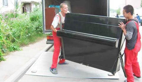 Перевозка мебели и других грузов при помощи профессионалов